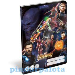 Füzetek - Füzet tűzött A/5 vonalas Avengers