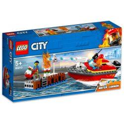 LEGO City - 60213 Lego Tűz a dokknál hajó